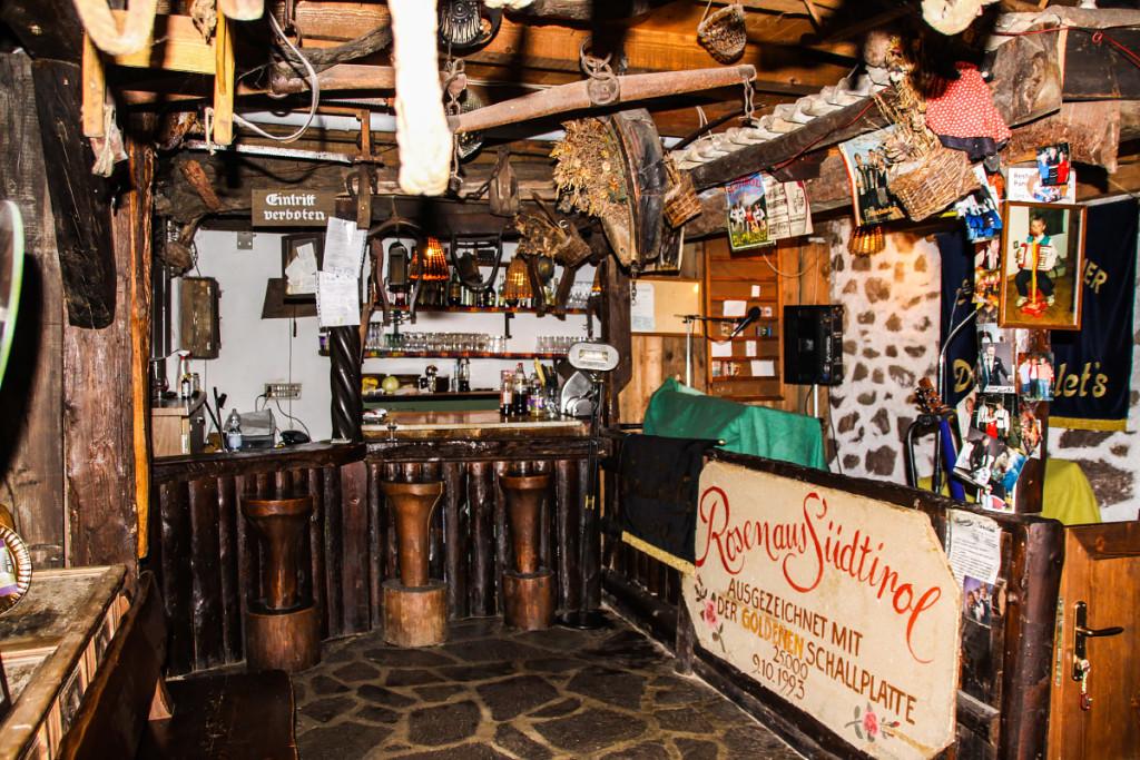 Die urige Bar
