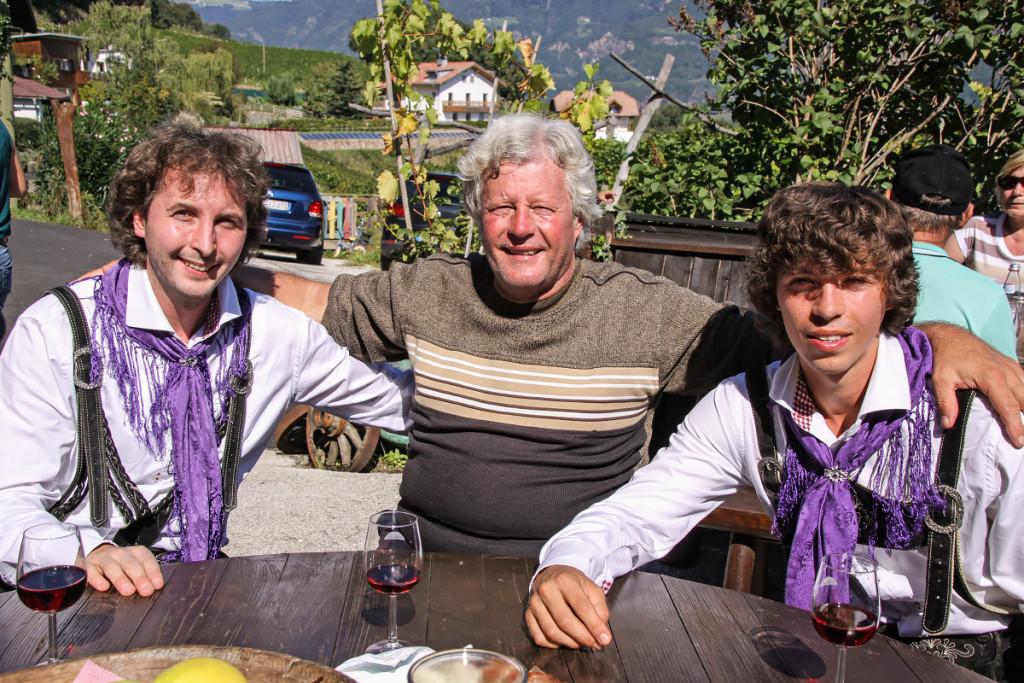Papa Klaus mit seinen beiden Söhnen Patrick und Andreas